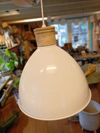 Hanglamp wit met koperen binnenkant