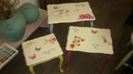 Set van 3 Queen Ann tafeltjes in Pip-style ~ VERKOCHT ~