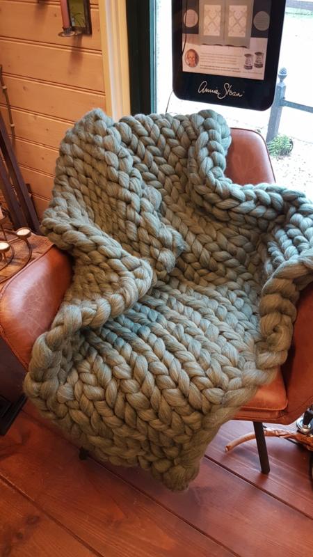 Woensdag 17 juli 3 kilo Merino wol met GRATIS workshop plaid Handbreien!!