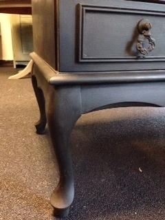 TV-meubel met Queen Ann pootjes geverfd in de kleur Graphite ~ VERKOCHT ~
