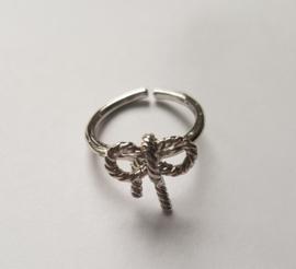 Must have ringen in zilverkleur met strikje