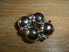 Mooie ronde zilverkleurige magneet sluitingen