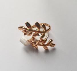 Must have ringen in goudkleur met bladmotief