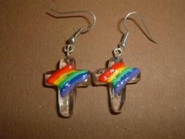 Oorbellen: kruisjes van helder glas met een regenboog