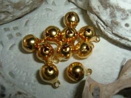 20 Stuks mooie gold plated belletjes van 8 x 10 mm.