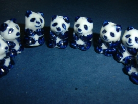 Mooie pandaberen van keramiek in donkerblauw met wit