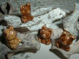 Mooie bruine kralen in de vorm van een beertje