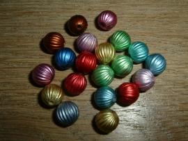 20 Stuks mooie metallic gekleurde kraaltjes van 8 mm.