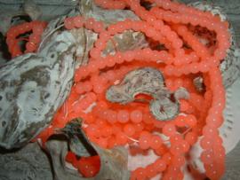 85 Stuks mooie koraalroze opal glaskralen van 4 mm.
