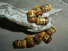 Mooie kleine indianenkralen in de vorm van een buisje van 8 mm.