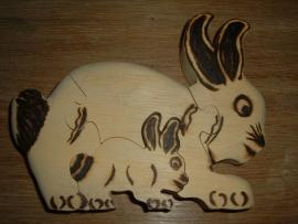 Mooie handgemaakte blank houten puzzle van een konijntje uit Burkina Faso.