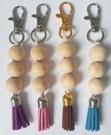 Sleutel- of tashanger met houten kralen