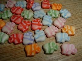 Mooie mix van pastelkleurige olifantjes