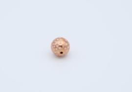 Mooie ronde champagnekleurige kralen met stipjes (T2)