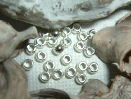 25 Stuks mooie ronde DQ knijpkraaltjes silver plated 3 mm.
