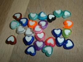 25 Stuks mooie gekleurde hartjes met een witte kern