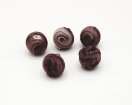 Mooie grote ronde bewerkte paarse glaskralen 15 mm.