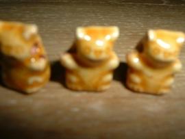 Mooie geelbruine keramieke kralen in de vorm van een beertje