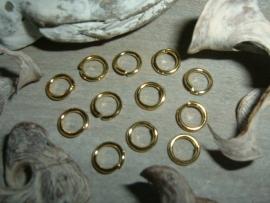 Mooie goudkleurige open ringetjes van 8 mm.
