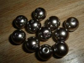 10 Stuks taupekleurige glasparels van 12 mm.