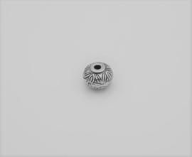 Mooie antiek zilverkleurige kraal in de vorm van een ufo (T 62)