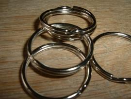 Mooie zilverkleurige sleutelringen van 20 mm.