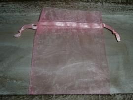 Roze organza zakjes 12 x 9 cm.