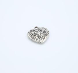 Mooie grote zilverkleurige harten (T13)