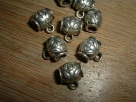 Mooie DQ metalen hangers in antiek zilver