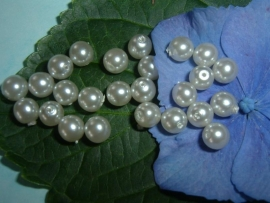 25 stuks zilverblauwe glasparels 6 mm.