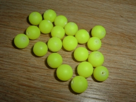 Mooie fluor gele Buri zaden van 8 mm.