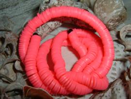 Katsuki kralen in een mooie neon roze kleur