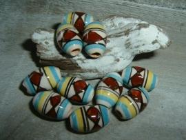 Mooie indianenkralen in de vorm van een tonnetje