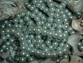50 Stuks mooie zilvergrijze glasparels 6 mm.