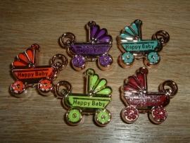 Mooie gekleurde hangertjes van een kinderwagen