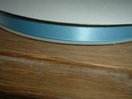 Mooi satijnlint 9 mm. in de kleur hemelsblauw