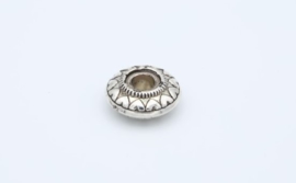 Mooie grote zilverkleurige kraal met groot rijggat ( T 1 )