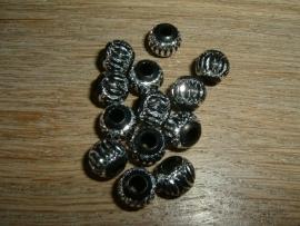 Mooie ronde aluminium kralen in zwart/zilver