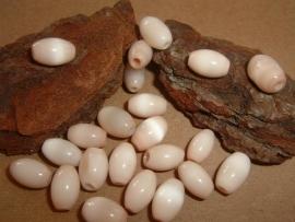 5  Stuks mooie beige/zalm kleurige cateye kralen