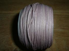 Waxkoord in een mooie lichtlila metallic kleur 0.5 mm.