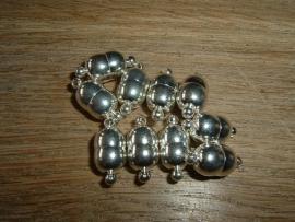 Mooie zilverkleurige magneetsluitingen