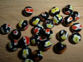 25 Stuks mooie ronde zwarte millefiori kralen 6 mm.