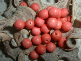 Mooie nature houten kralen in tea roze van 6 mm.