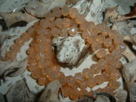 25 Stuks mooie Top Facet kralen in abrikoos poeder opal  van 6 x 4 mm.