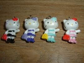 Leuke Hello Kitty hangertjes met tasje
