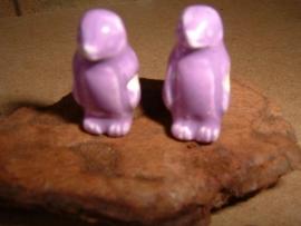 Mooie paarse keramieke kralen in de vorm van een pinguin