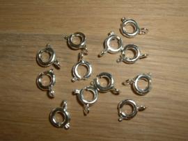 Mooie ronde zilverkleurige sluitingen 6 mm.