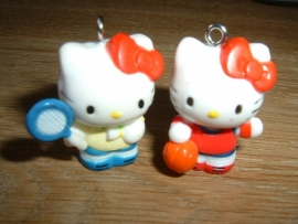 Superleuke Hello Kitty hangertjes met tennisracket of bal