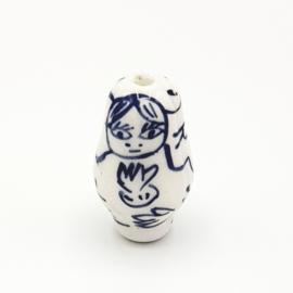 Mooie Delfsblauwe keramieke matroesjka`s 26 x 15 mm.