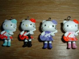 Leuke Hello Kitty hangertjes met gitaartje